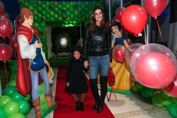 Vera Viel e a filha Maria (Foto: Manuela Scarpa e Marcos Ribas/Foto Rio News)