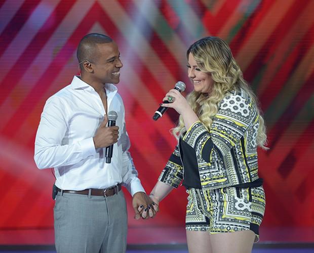 Alexandre Pires canta com Ana Clara (Foto: Camila Serejo / Gshow)