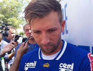Sem jogar há seis meses, Seymou garante boa condição física (Foto: Marco Astoni)