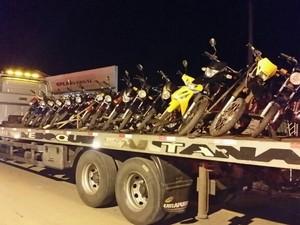 Motos foram apreendidas durante a operação  (Foto: Divulgação/PC)