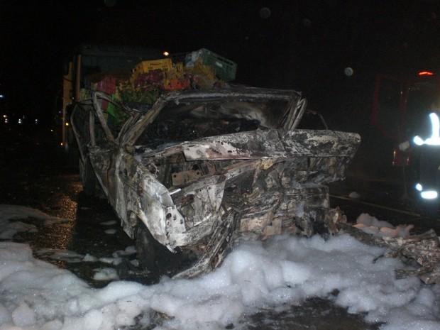 Acidente na BR-116 matou quatro pessoas na Região Metropolitana de Curitiba (Foto: Divulgação/ PRF)