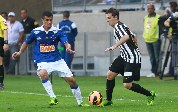 Egidio e Montillo, Cruzeiro x Santos (Foto: Denilton Dias/Agência Estado)