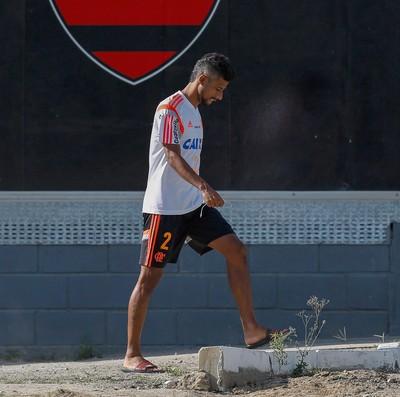 Léo Moura treino Flamengo (Foto: Alexandre Cassiano / O Globo)