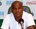 Mingone pressiona Domingos em despedida: 'Certeza que vai voltar'