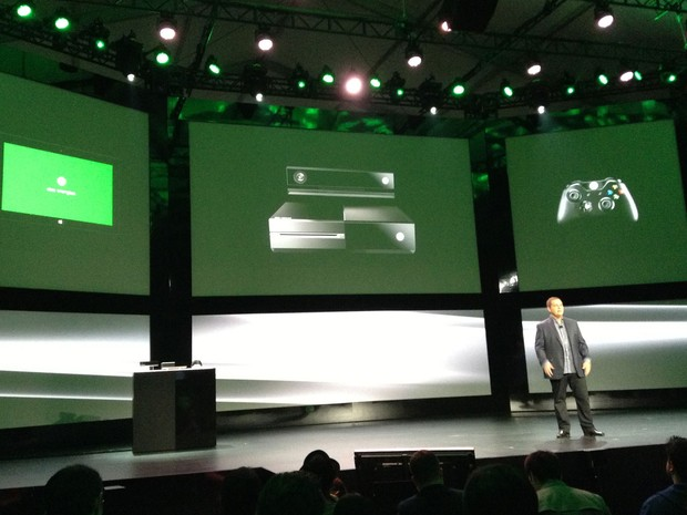 Marc Whitten, gerente geral de Xbox da Microsoft, apresenta a arquitetura do novo videogame, lançado nesta terça-feira (21). (Foto: Bruno Araújo/G1)