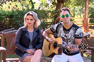 """Liah e Léo participam do """"Roda de Viola"""" (Foto: Reprodução TV Fronteira)"""