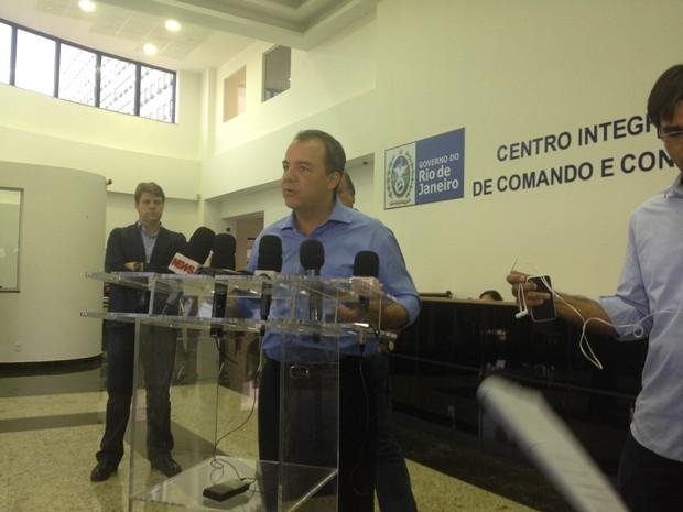 O governador do Rio Sérgio Cabral comenta a ocupação da Maré (Foto: Gabriel Barreira/G1)