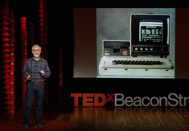 Dan Bricklin dando uma palestra no TED (Foto: TED Talk)