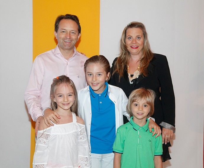Greg Blanzat comparece ao evento com a família (Foto: Artur Meninea/Gshow)