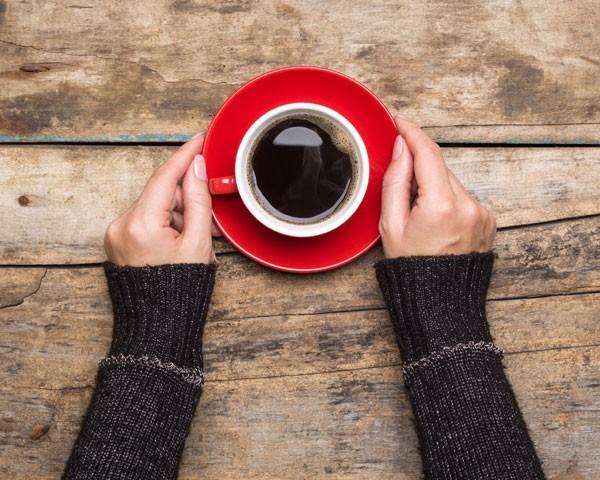 Xícara de café está entre os alimentos aliados do emagrecimento no inverno (Foto: Thinkstock)