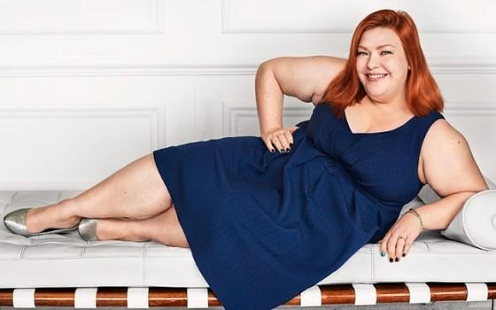 A beleza cheia de curvas de Rosie é um dos retratos da exposição (Foto: Mario Testino )