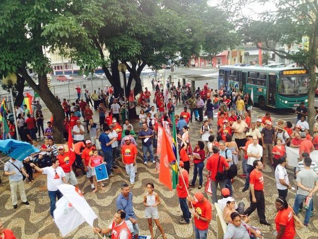 Ato Frente Popular em Uberlândia (Foto: Fernanda Resende/G1)