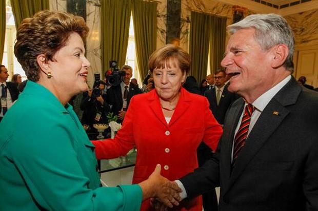 A presidente Dilma Rousseff, durante almoço com chefes de Estado no Rio de Janeiro, antes de ir à final da Copa, no Maracanã (Foto: Reprodução/Blog do Planalto)