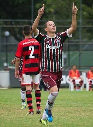 Corinthians contrata atacante de 18 anos revelado pelo Fluminense