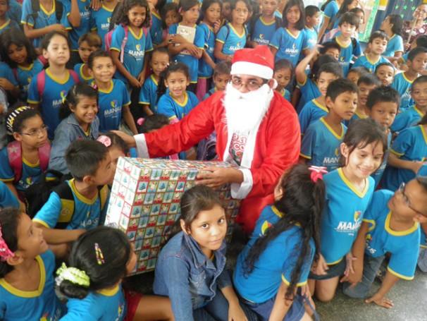 Ação da campanha Papai Noel dos Correios no Amazonas (Foto: Divulgação/Correios)