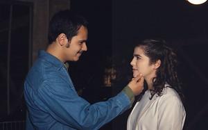Danton Mello (Adriano) e Karina Barum (Shirley) em Torre de Babel