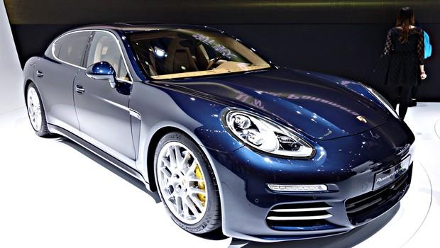 f u00e3 de carros  neymar tem garagem dos sonhos