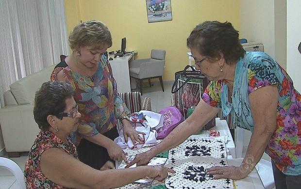 Idosos do Acre procuram atividades de lazer para ocupar o tempo (Foto: Acre TV)