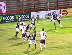 Gol contra de Leandro Moraes, do Rio Branco (Foto: Reprodução/TV Gazeta)