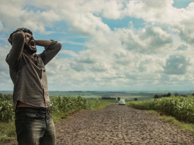 'O Céu Sobre os Teus Ombros' é a primeira produção cinematográfica de Luiz Maximiano (Foto: Divulgação)