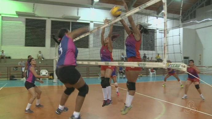 Jotas x Corpo em disputa de vôlei feminino (Foto: Reprodução/Rede Amazônica Acre)