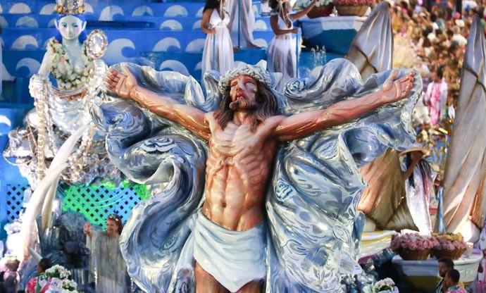 Cristo em alegoria da Mangueira no carnaval 2017
