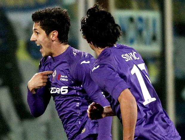 Jovens da Fiorentina comemoram gol anotado na goleada diante da Inter