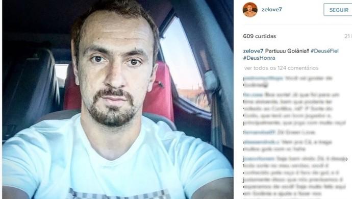 Zé Love posta foto em rede social no domingo e diz estar a a caminho de Goiânia (Foto: Reprodução/Instagram)