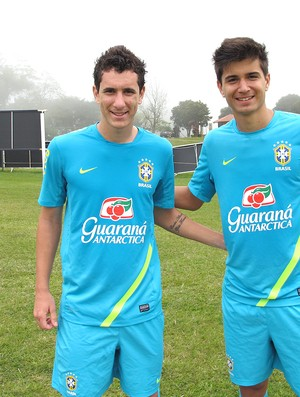 Higor e Matthes seleção sub 20 treino (Foto: Marcelo Baltar / Globoesporte.com)