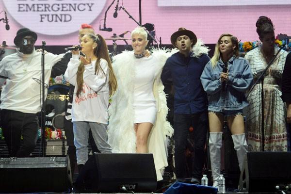 Artistas se reúnem à Ariana Grande em show beneficente, para ajudar os familiares das vítimas do atentado (Foto: Getty Images)