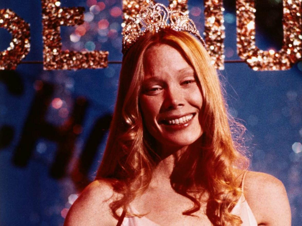 Sissy Spacek tinha 26 anos quando fez 'Carrie, a Estranha' (1976), de 17 anos de idade. (Foto: Divulgação)
