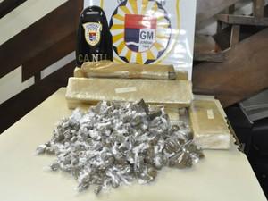 Drogas foram encontradas no Jardim São Camilo (Foto: GCM/Divulgação)