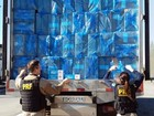 Caminhão frigorífico é apreendido com mais de 250 mil maços de cigarro