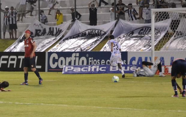 Gol João Paulo ABC x Paraná (Foto: Jocaff Souza/GloboEsporte.com)