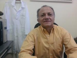Diretor do Hospital Veterinário Universitário (HVU), João Macedo. (Foto: Yara Pinho/G1)