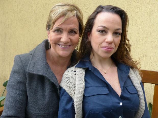 Anna Paula Caldeira ao lado da mãe, Ilsa Caldeira  (Foto: Adriana Justi / G1)