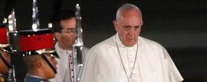 Liberdade de expressão não dá direito a insultar o próximo, diz Papa (Reuters)