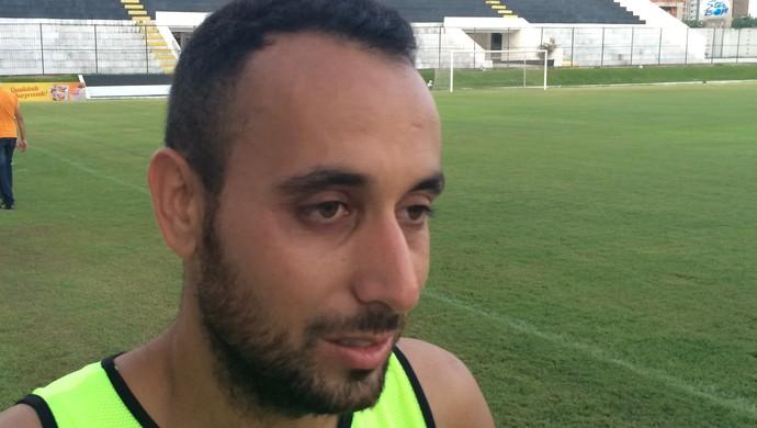 Filipi Sousa lateral-direito do ABC (Foto: Augusto Gomes/GloboEsporte.com)