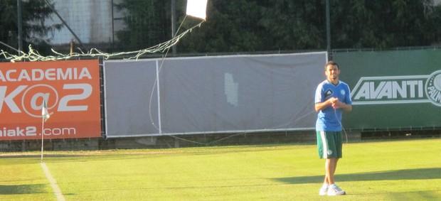 Chales Solta pipa treino Palmeiras (Foto: Marcelo Hazan)