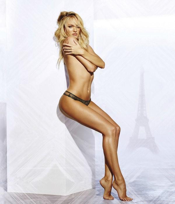 Candice posa sexy em campanha para a Victoria's Secret (Foto: Reprodução / Victoria's Secret)