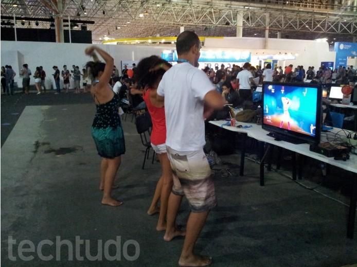 Jogadores trazem seus próprios videogames para o evento  (Foto: TechTudo/Paulo Vasconcellos)