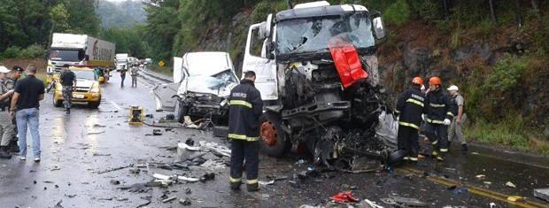 Duas pessoas morreram em acidente na Rota do Sol (Foto: Comando Rodoviário da Brigada Militar/Divulgação)