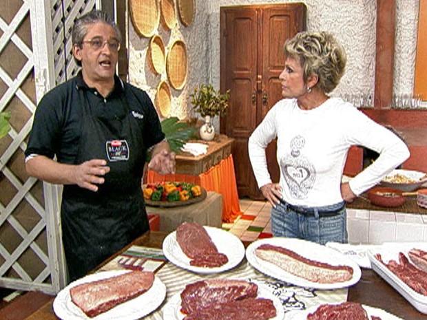 Açougueiro dá dicas de como cortar de forma correta as suas carnes (Foto: Mais Você / TV Globo)