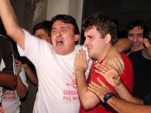 Fabinho Porcino foi recebido com fogos em Mossoró (Foto: Marcelino Neto)