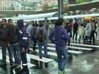 Motoristas de ônibus de SP fecham terminais e fazem paralisação