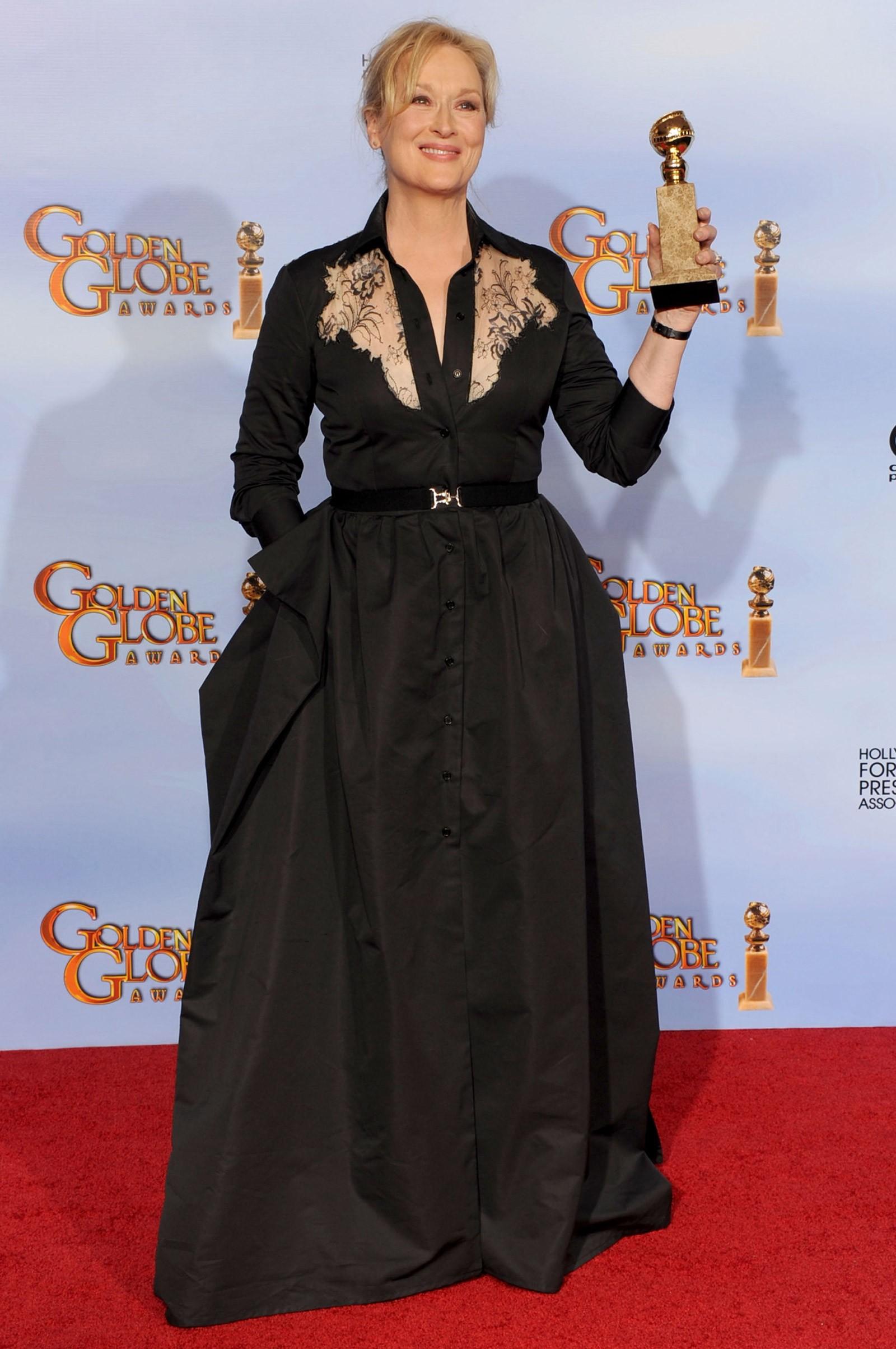 2011 - melhor atriz de drama para Meryl Streep, que vestiu Alessandra Rich (Foto: Getty Images)