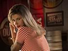 Cacau Colucci posa sexy para calendário: 'Mexe com o imaginário'