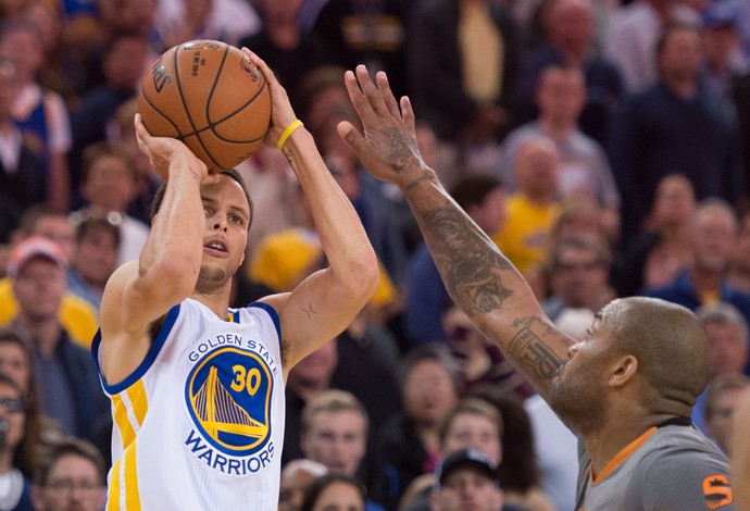 Stephen Curry Warriors x Suns NBA (Foto: Reuters)