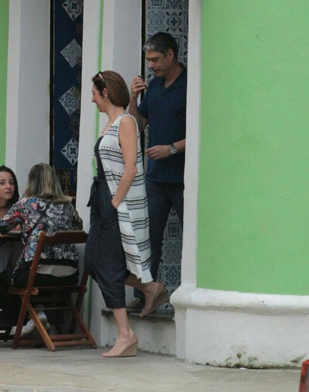 Bonner deixa o restaurante no Horto, Zona Sul da cidade (Foto: AgNews)