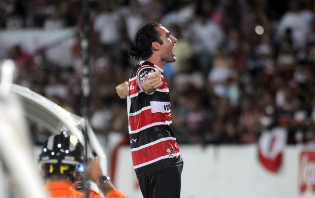 leó gamalho santa cruz x sport (Foto: Antônio Carneiro / Pernambuco Press)